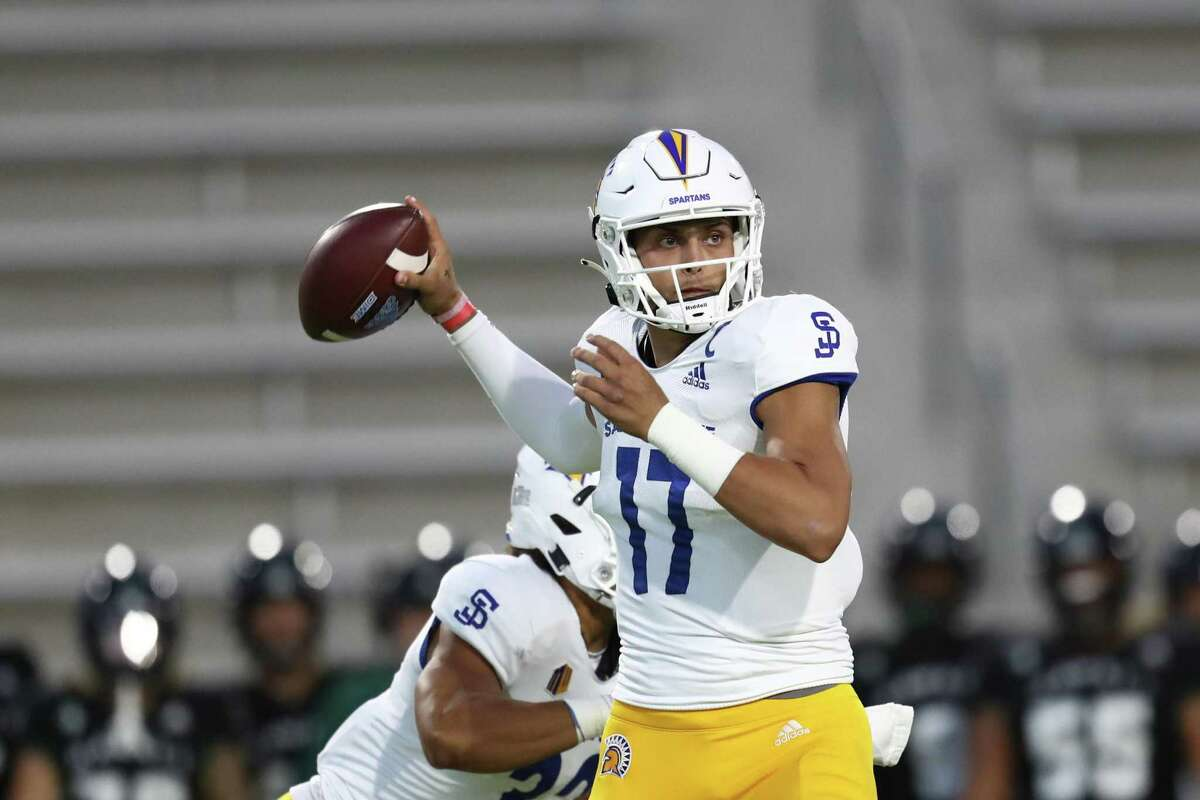 HONOLULU, HI - SEPTEMBER 18: Nick Starkel #17 of the San Jose State Spartans fires a pass downfield during the first half of the game against the Hawaii Rainbow Warriors at the Clarance T.C. Ching Complex on September 18, 2021 in Honolulu, Hawaii. (Photo by Darryl Oumi/Getty Images)