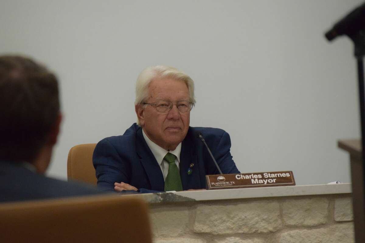 City Council met this week for the first regular scheduled meeting at the new City Hall location. Pictured: Mayor Charles Starnes