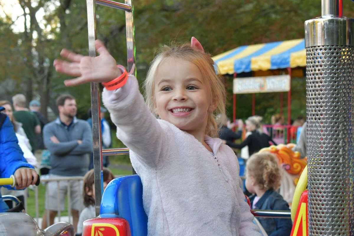 The New Canaan Nature Center hosted its 51st annual fall fair from Oct. 1 to Oct. 2, 2021. The fair featured carnival rides, a maze, an apple slingshot and zip line. Were you SEEN?