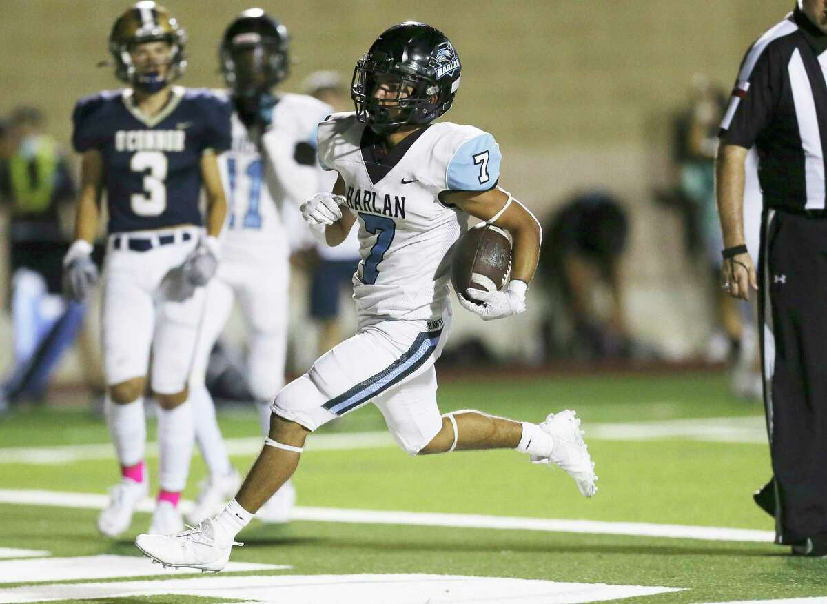 Harlan's Jacob Gonzales (07) cruises in for a touchdown against O'Connor during their football game at Farris Stadium on Friday, Oct. 1, 2021.