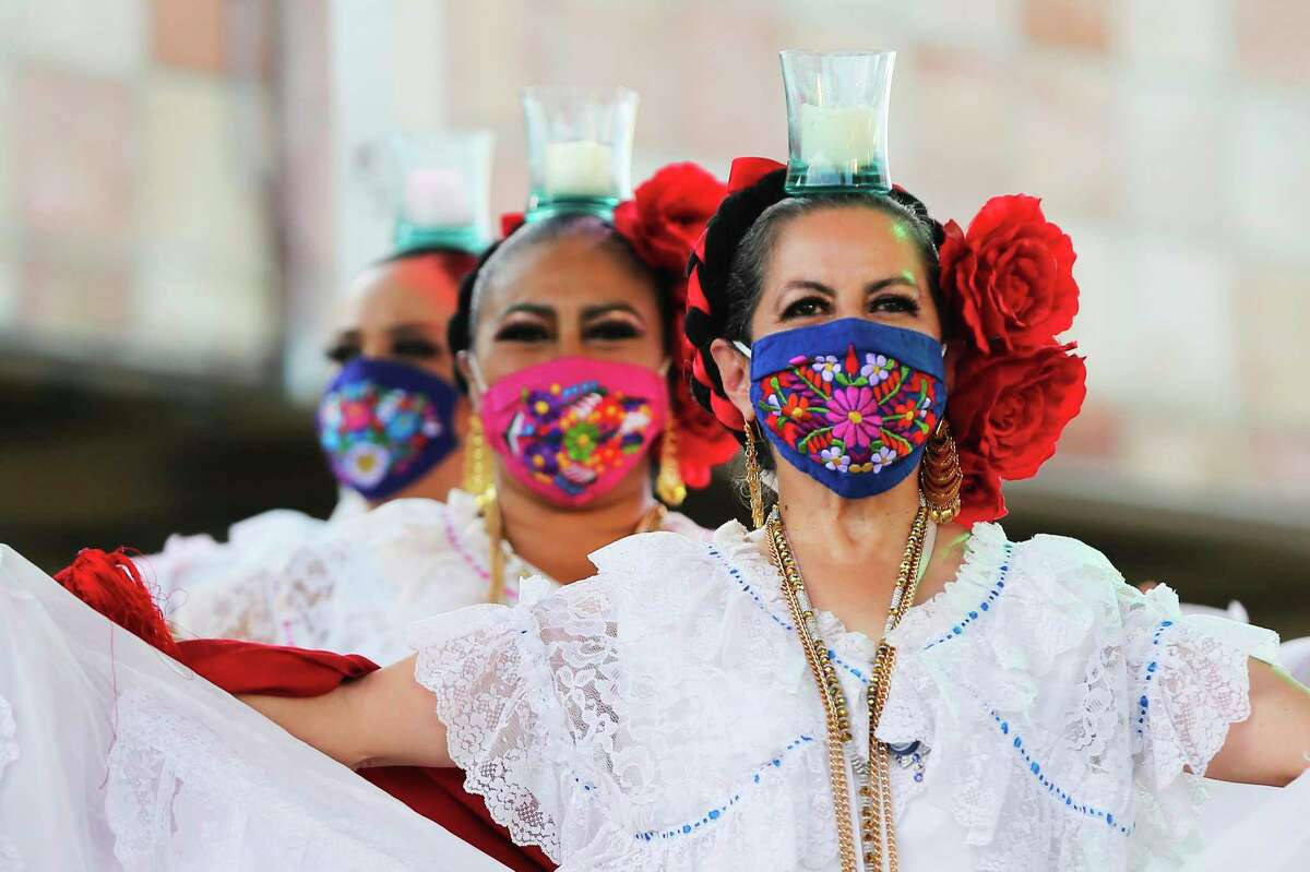 Dancers kick off Hispanic Heritage Month on Sept. 15 with performances and mariachis at Historic Market Square. Month-long events and activities are planned to commemorate the celebration.