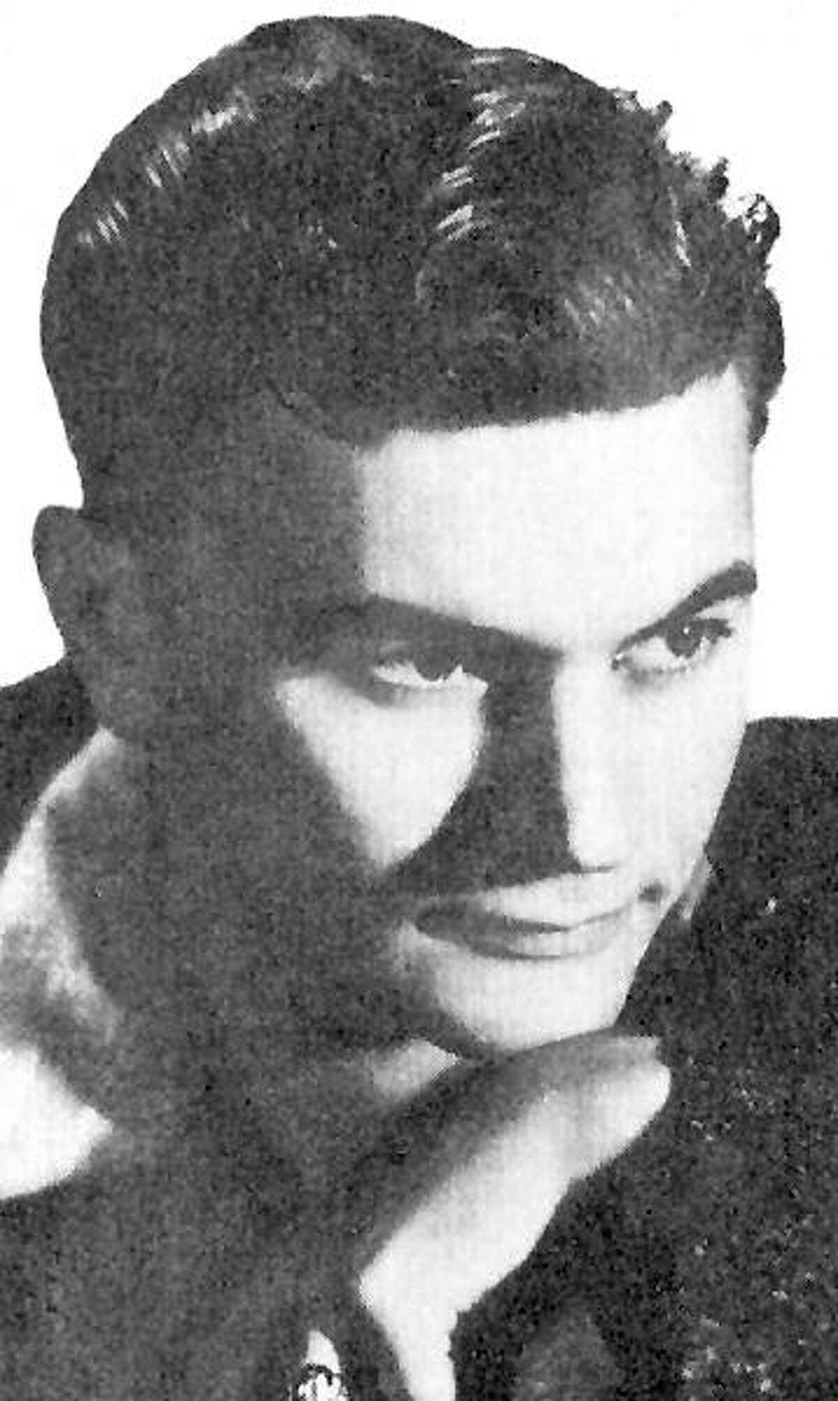 Larry Herman , 88 , died Nov. 25 , 2004 , in San Antonio. He was an accomplished pianist, big-band leader and owner of the Roaring 20's.