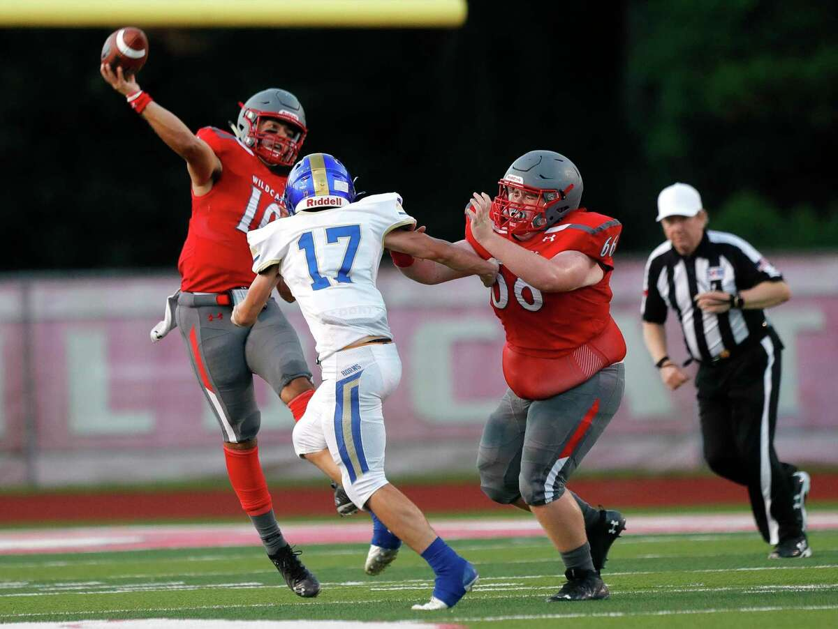 Splendora quarterback Harrison Facundo (10), shown here earlier this season against Hamshire-Fannett, threw two touchdown passes and rushed for another at Shepherd Friday night.
