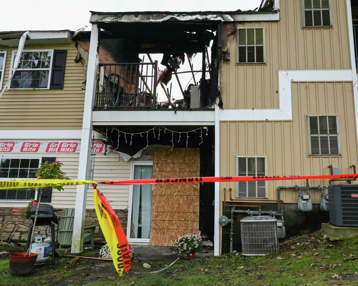 A fire at the Twin Lakes apartment complex on Lakeview Drive in Clifton Park on Saturday, Oct. 2, 2021 displaced a number of residents. (Jim Franco/Special to the Times Union)