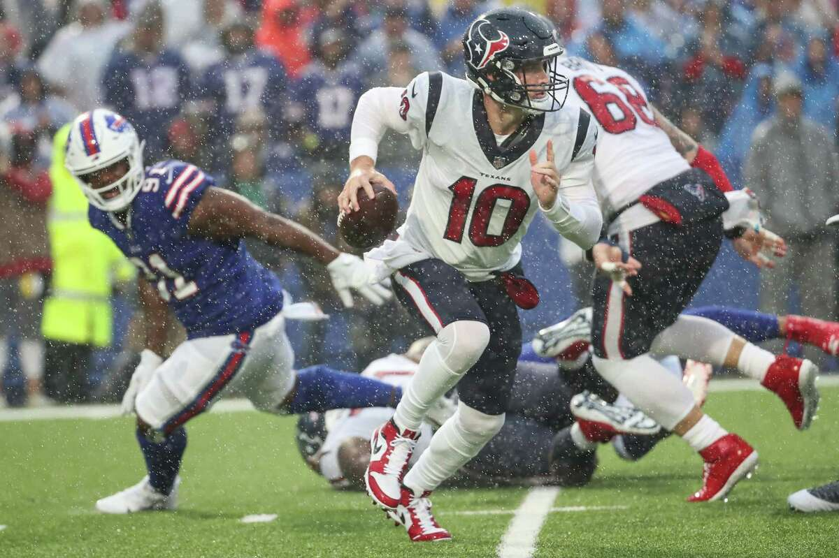 Texans rookie QB Davis Mills might be in for another game under siege from opposing rushers.