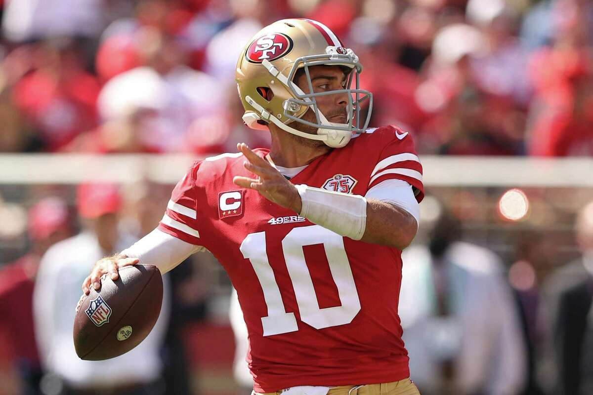 SANTA CLARA, CALIFORNIA - OCTOBER 03: Jimmy Garoppolo #10 of the San Francisco 49ers looks to throw the ball during the second quarter against the Seattle Seahawks at Levi's Stadium on October 03, 2021 in Santa Clara, California. (Photo by Ezra Shaw/Getty Images)