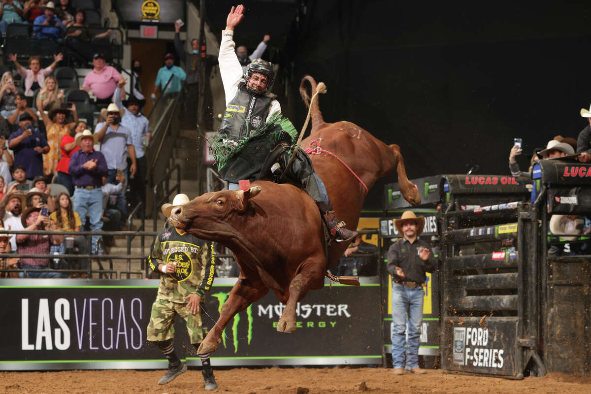 Dalton Kasel rides Woopaa for 96.75 points to win the 2021 PBR U.S. Border Patrol Invitational in San Antonio. The 96.75 is the second highest score in PBR history.