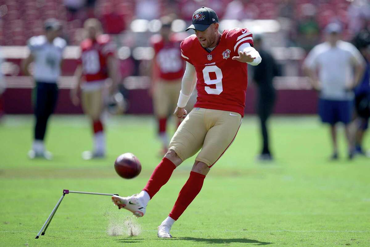 San Francisco 49ers Robbie Gould (9) warms up during an NFL football game against the Seattle Seahawks, Sunday, October 3, 2021, in Santa Clara, Calif. (AP Photo/Scot Tucker)