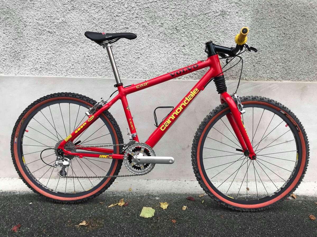 A 1997 Cannondale Alison Sydor bicycle replica.