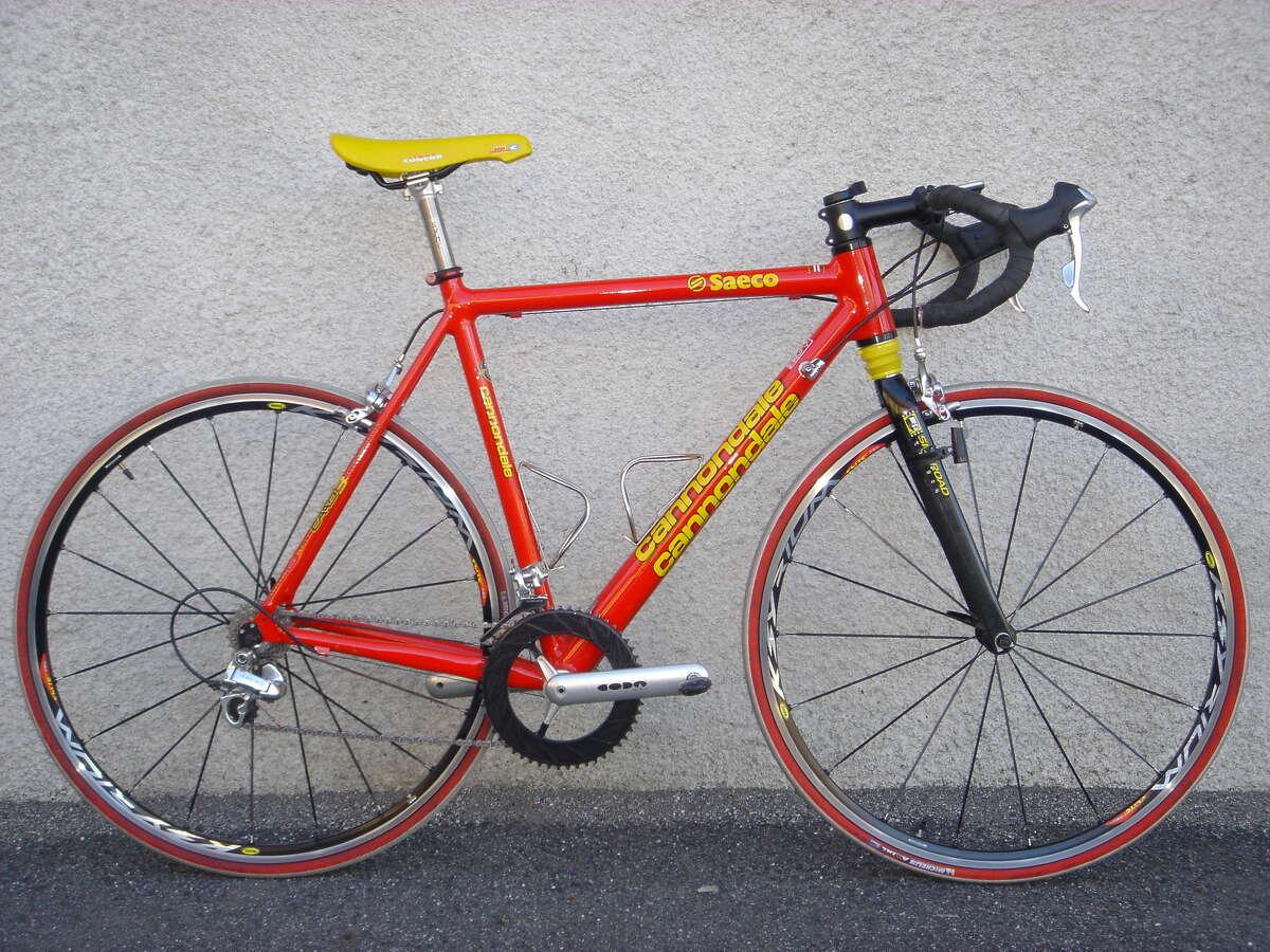 A 1999 Saeco Cannondale Silk Road bike.