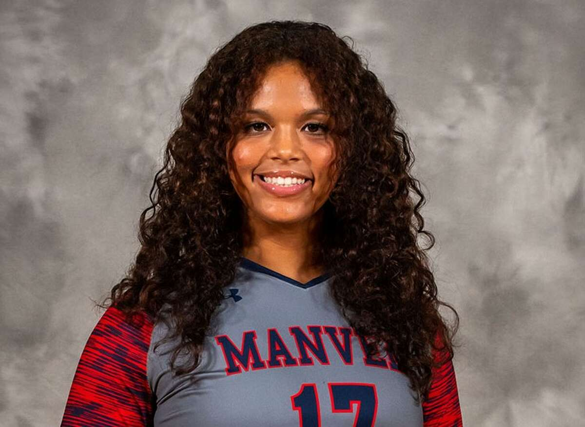 Manvel volleyball player Devyn Lewis had two strong performances last week during district matches.