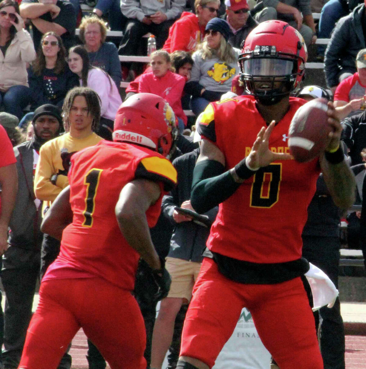 Ferris Mylik Mitchell looks for a receiver in the homecoming game on Sept. 25.