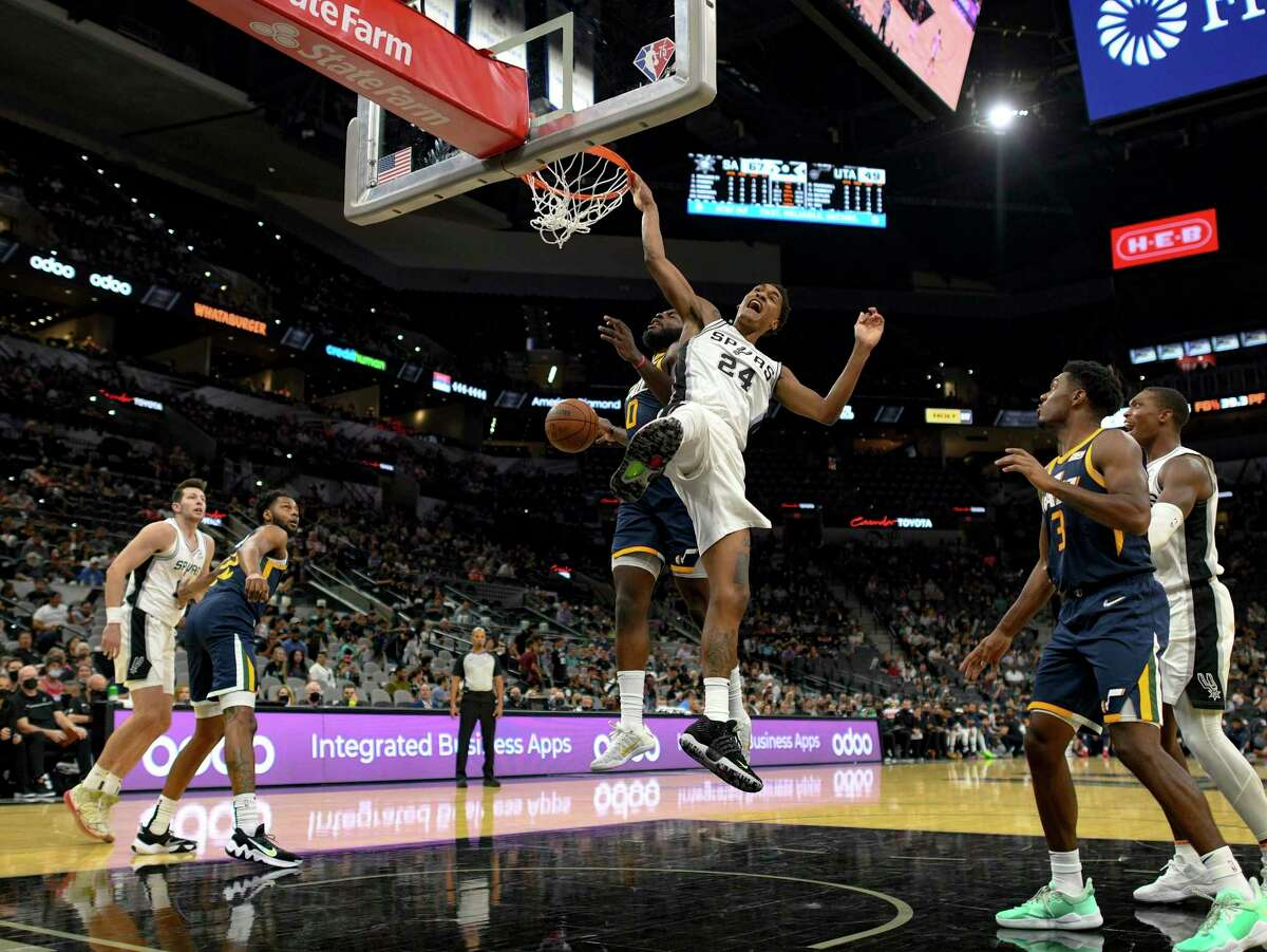 """Not all readers are seeing city and county support for a new Spurs sports-commercial-medical complex as a """"slam dunk."""""""