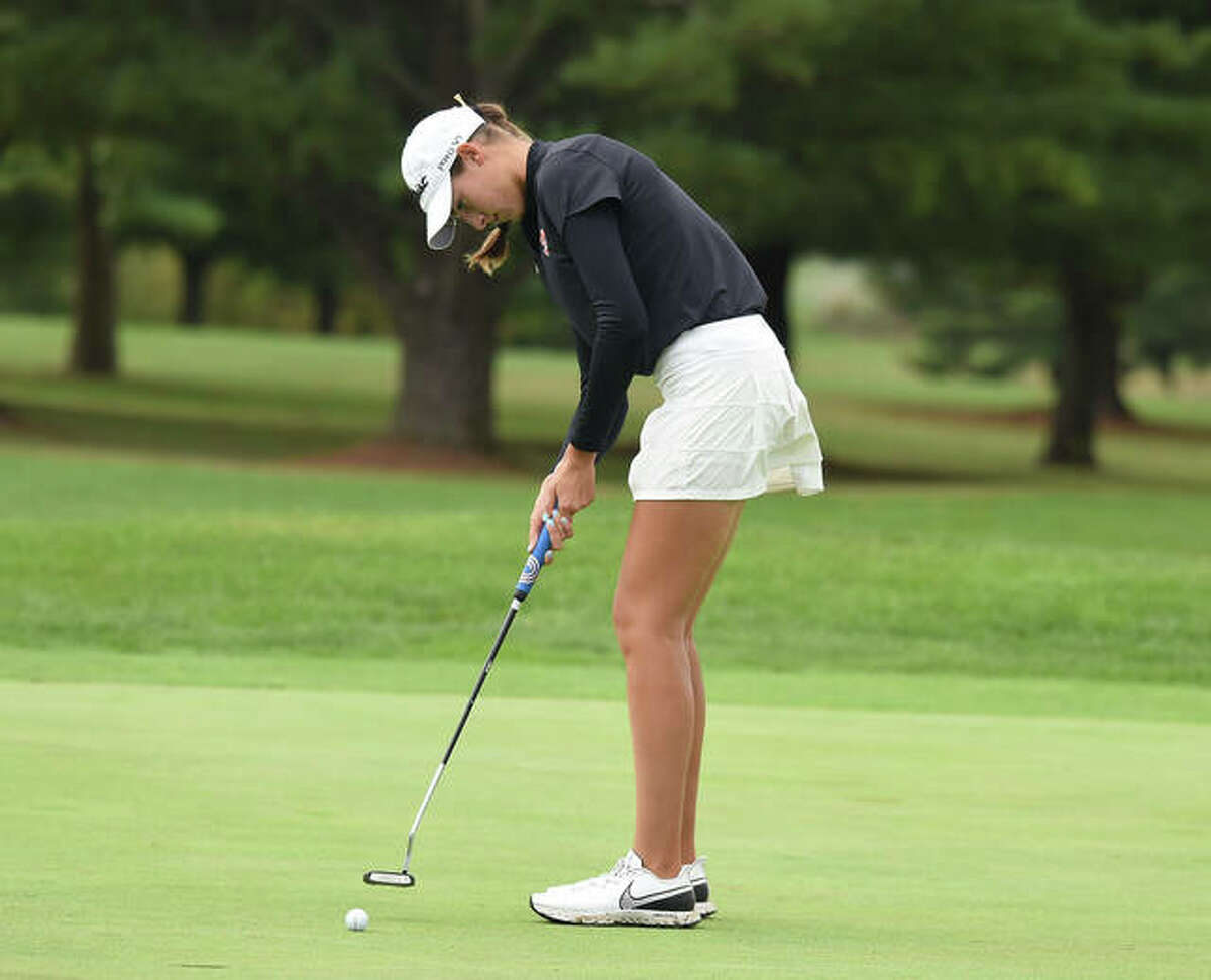 Edwardsville's Nicole Johnson putts during Monday's Class 2A sectional in Washington. Johnson shot 77 to advance to state.
