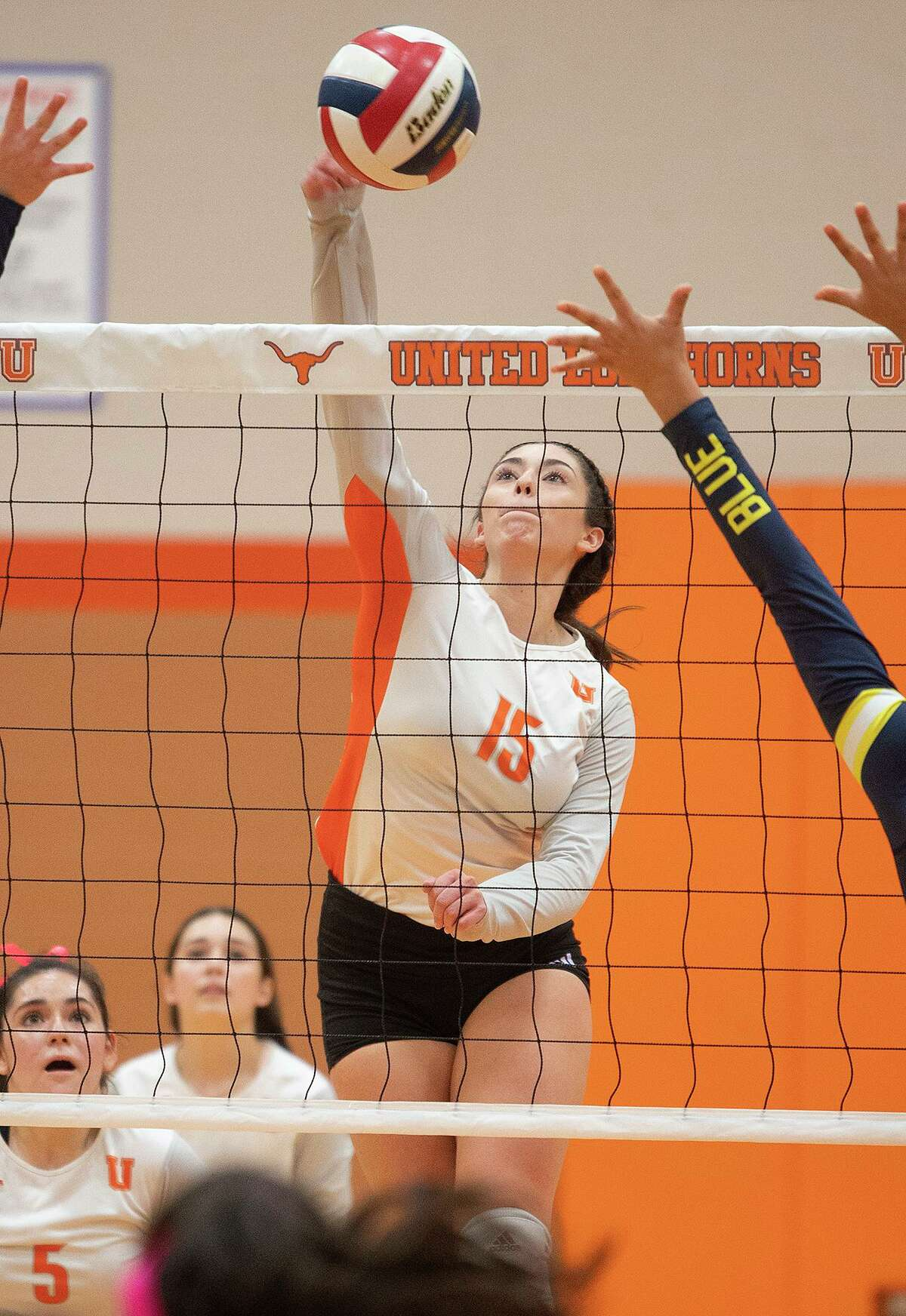 Ivanna de la Pascua and the United Lady Longhorns are set to play the United South Lady Panthers on Tuesday.