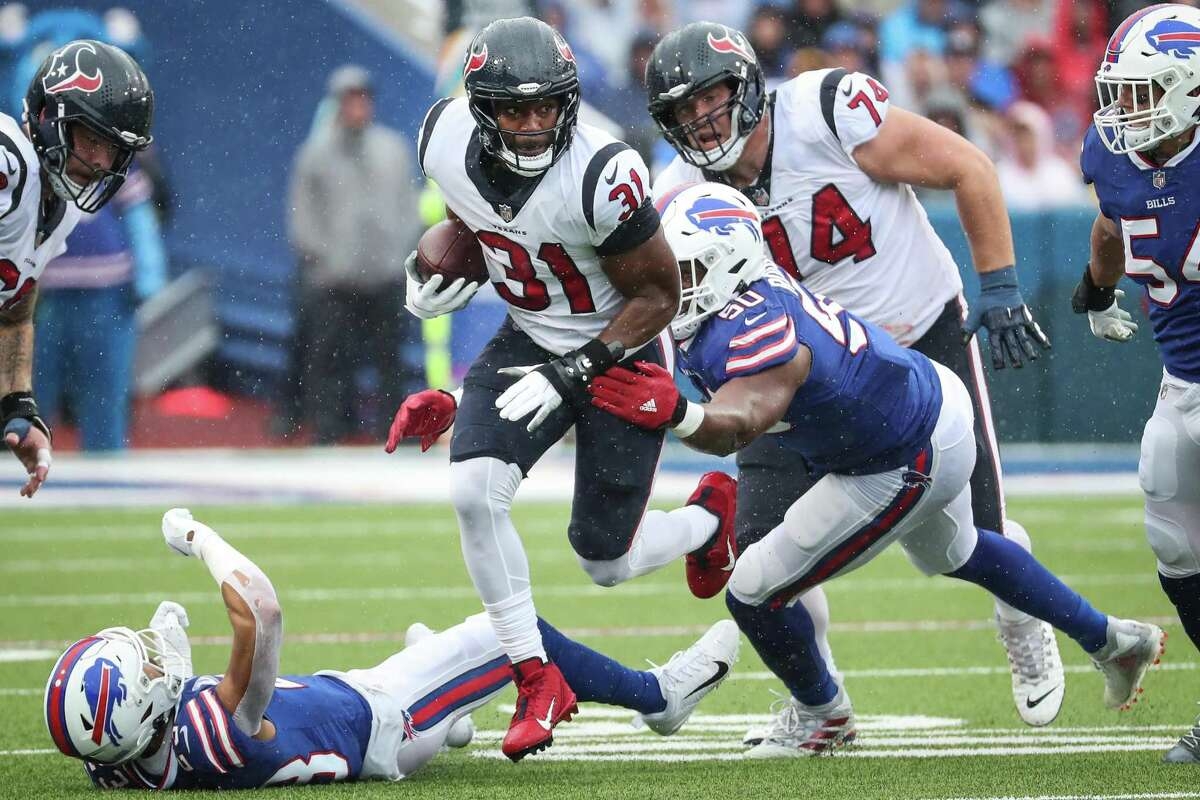 David Johnson and the Texans running backs were stopped in Buffalo, which put more pressure on rookie QB Davis Mills.