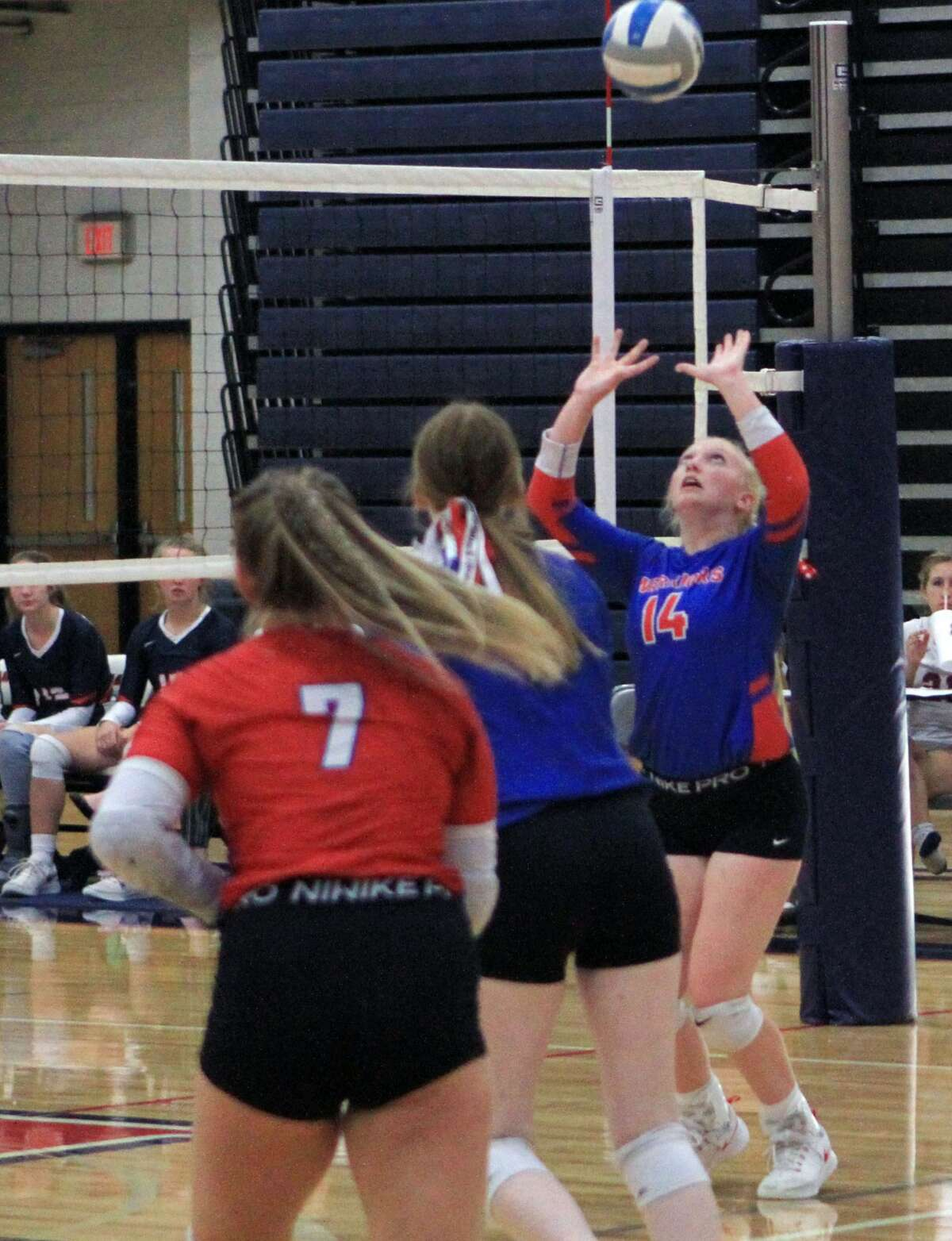 The Chippewa Hills volleyball team swept Big Rapids on the road Tuesday evening.