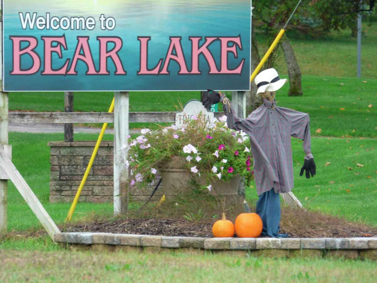 Scarecrows welcome visitors to Bear Lake. (Scott Fraley/News Advocate)