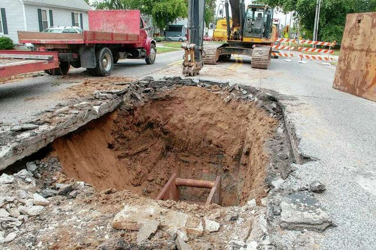 West Walnut Street near North Prairie Street will be closed for up to 30 days while Rouland Construction and Trucking and Benton and Associates work on a portion of the road that has been sinking.