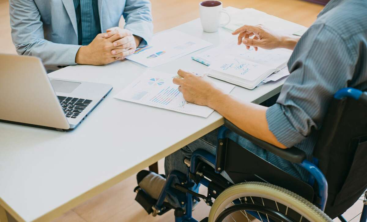 Gov. J.B. Pritzker signed an executive order this week that will prohibit any state agency from doing business with a vendor that does not pay at least minimum wage to workers with disabilities.