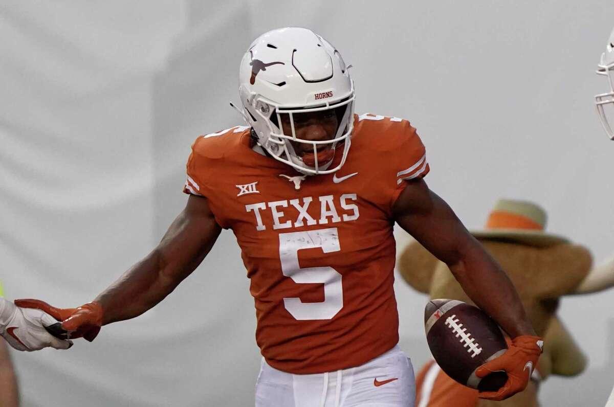 Texas running back Bijan Robinson will be facing the seventh-ranked rushing defense of No. 6 Oklahoma.