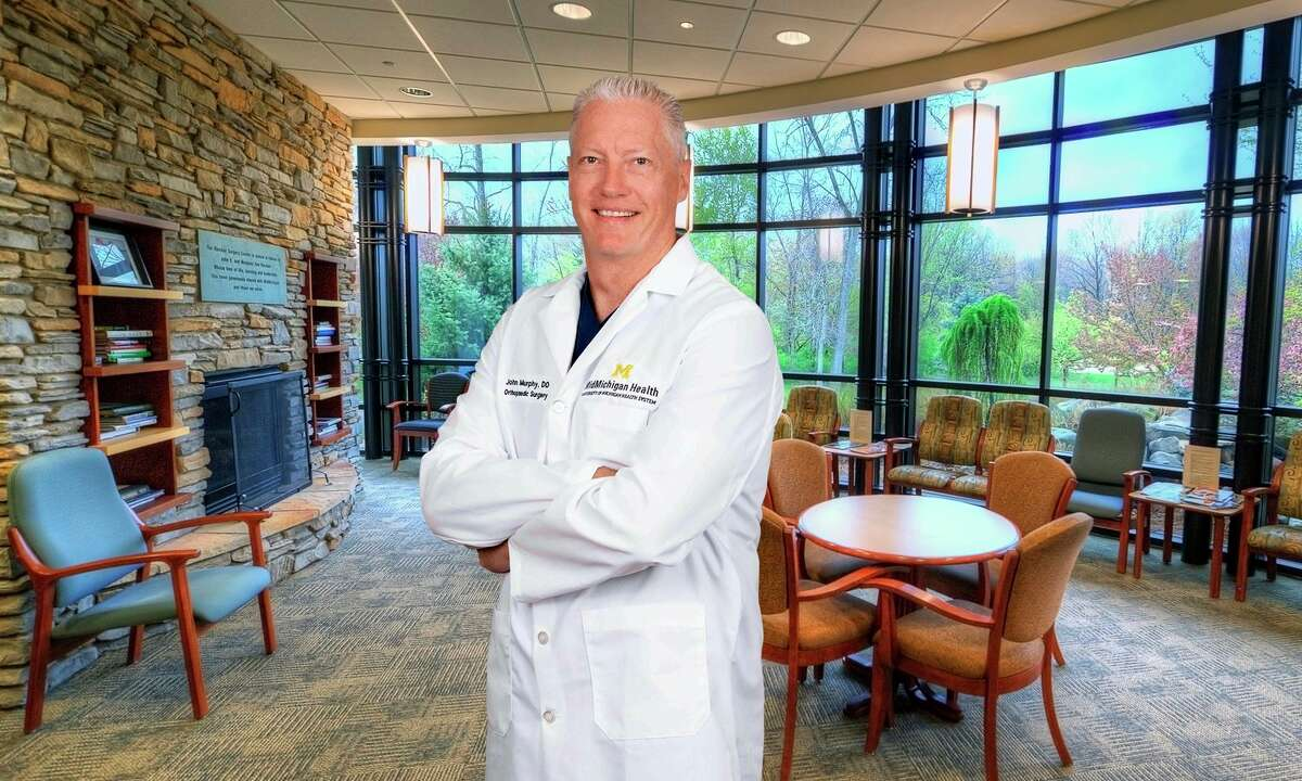 Orthopedic Surgeon John Murphy performed Ruth Clemens' outpatient knee replacement procedure at MidMichigan's Riecker Surgery Center. (Photo provided)