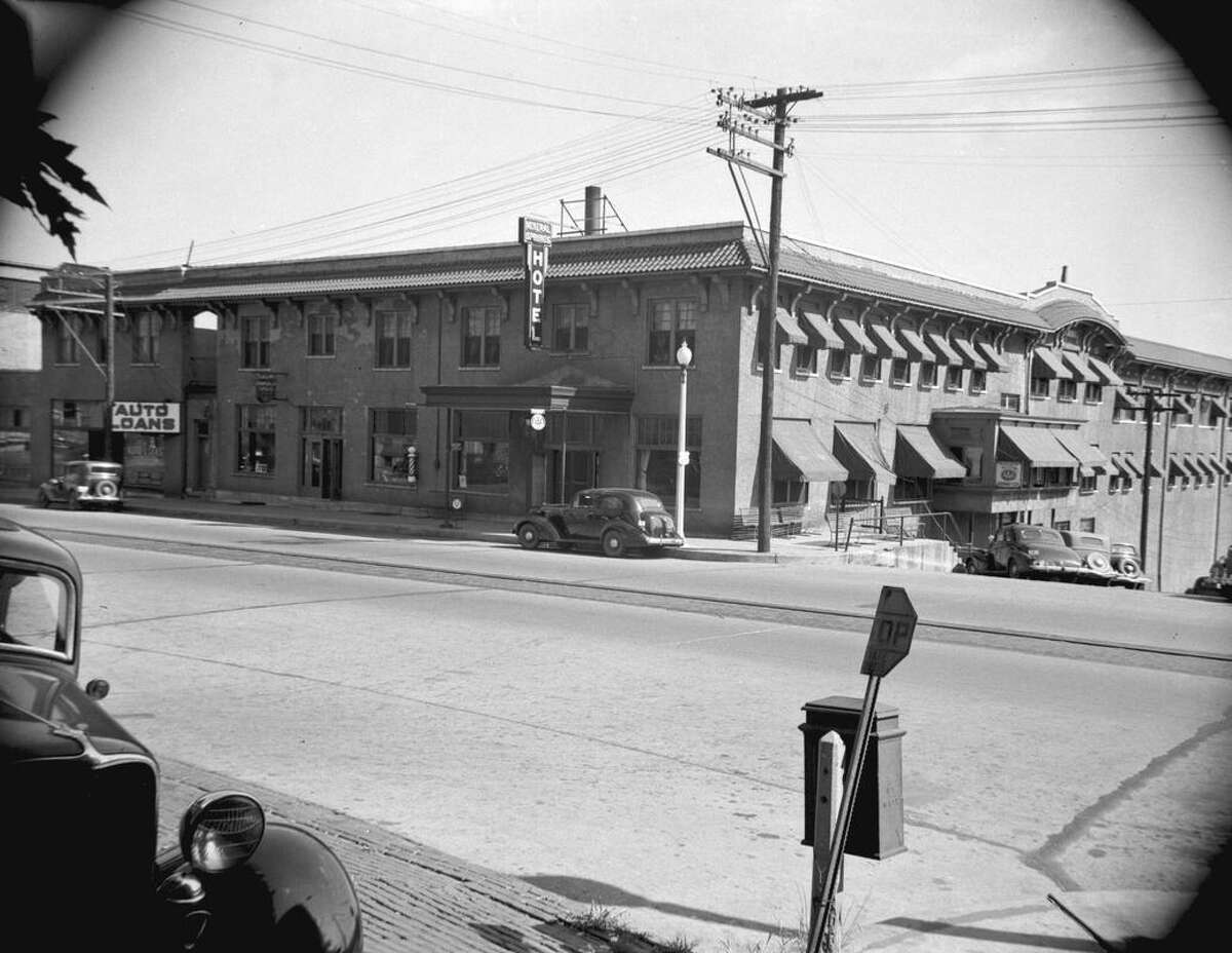 Mineral Springs Hotel as it looked when there were still guests staying at the hotel in the 20th century.