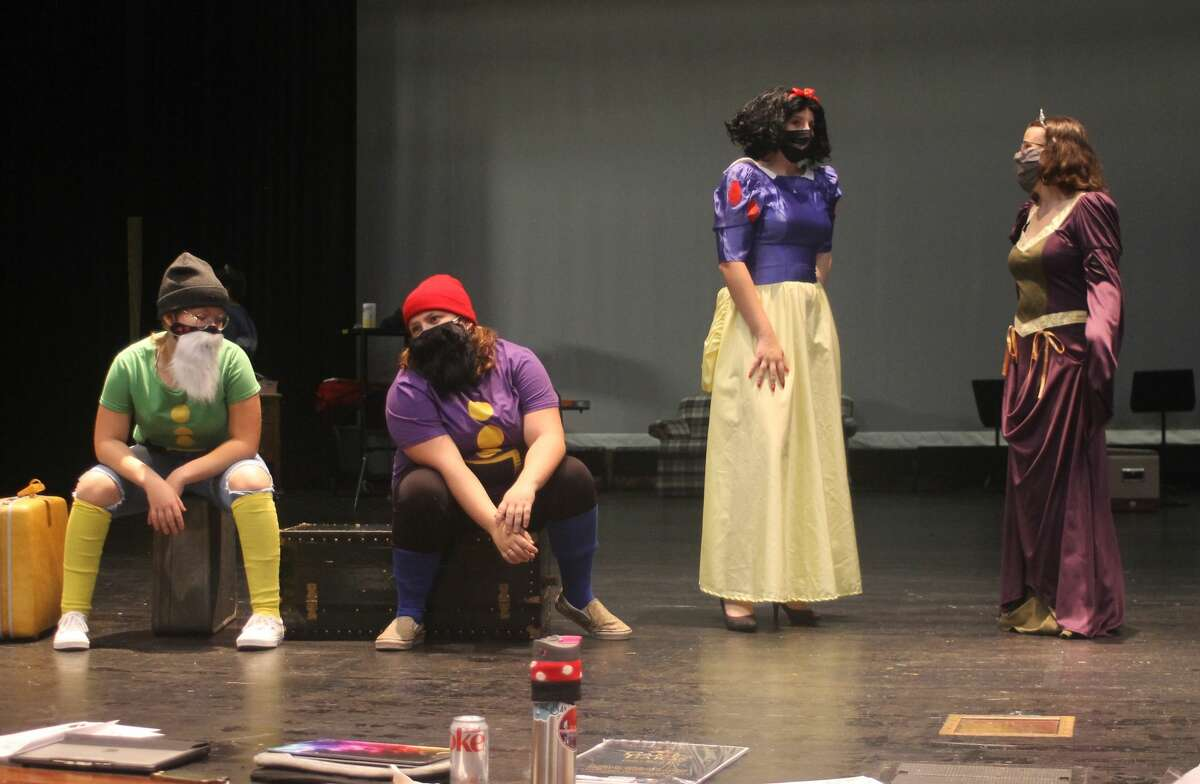 """Students from the Manistee Middle High School theater program rehearse a scene from their upcoming production of """"Game of Tiaras."""""""