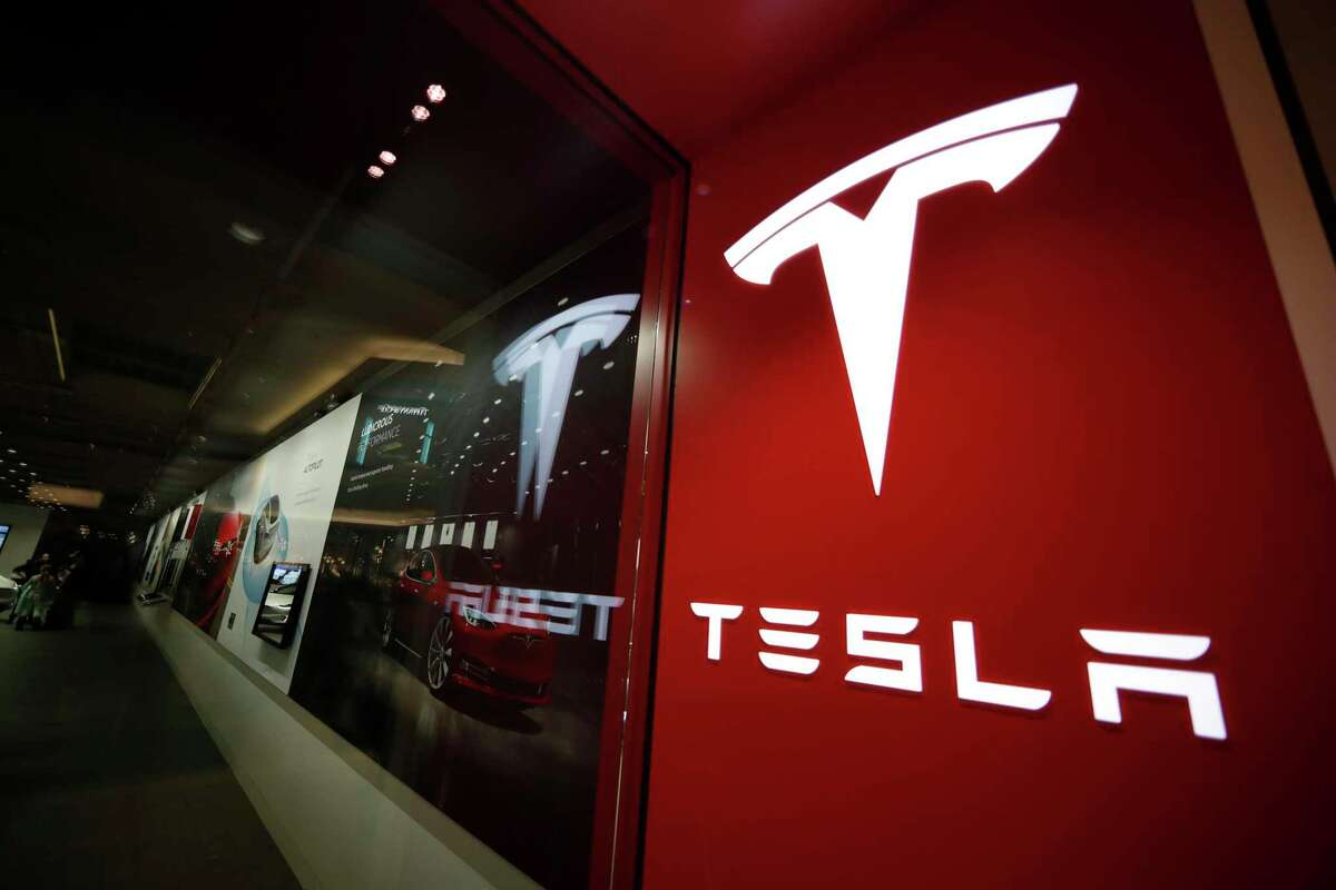 Tesla will move its headquarters from Palo Alto to Austin, Texas, Elon Musk announced on Thursday.
