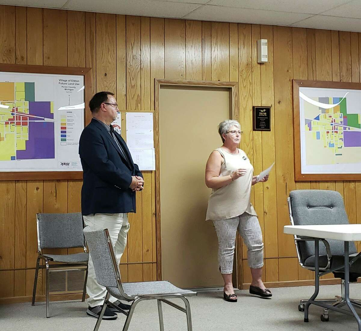 Terry Brown and Brenda Kelley speak about Agri-Valley Services' plans for installing fiber optic internet service in Elkton on Thursday. The project would be the first of its kind in Huron County and would bring high speed internet to whoever in Elkton wants it. (Robert Creenan/Huron Daily Tribune)