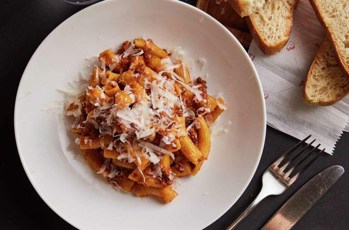 La pasta alla bolognese resterà in lista quando riaprirà Piatti in Val Mulino.