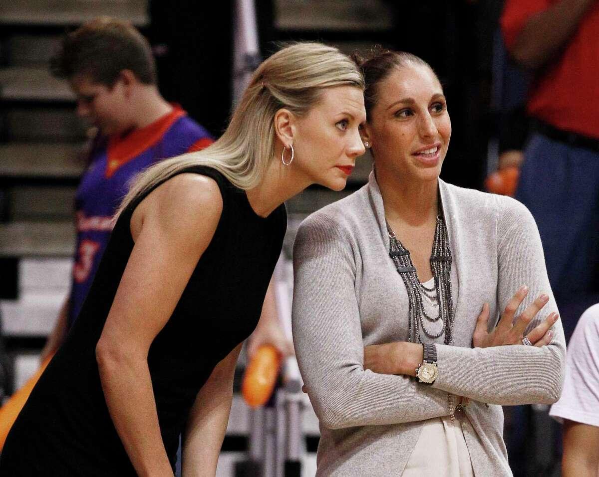 Penny Taylor and Diana Taurasi.