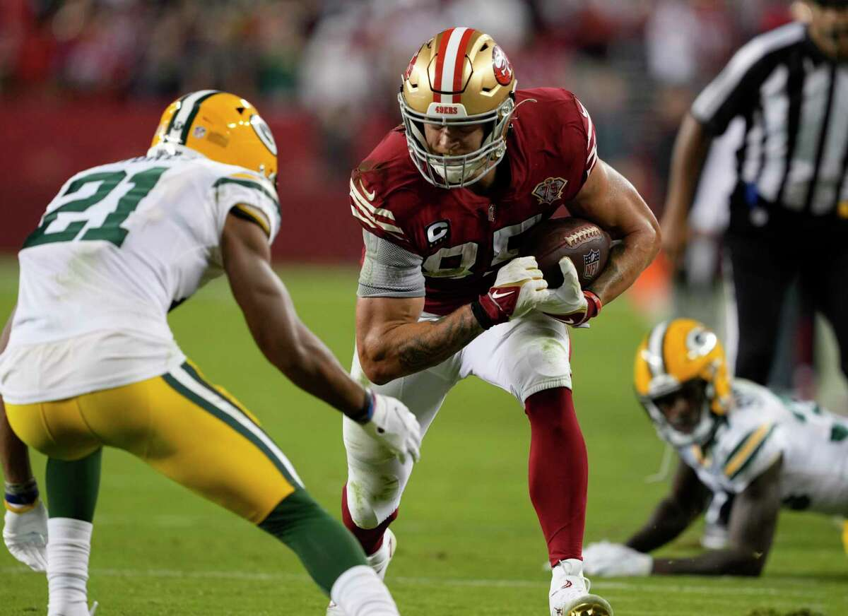 SANTA CLARA, CALIFORNIA - SEPTEMBER 26: George Kittle #85 of the San Francisco 49ers runs after catching a pass during the fourth quarter against the Green Bay Packers in the game at Levi's Stadium on September 26, 2021 in Santa Clara, California. (Photo by Thearon W. Henderson/Getty Images)