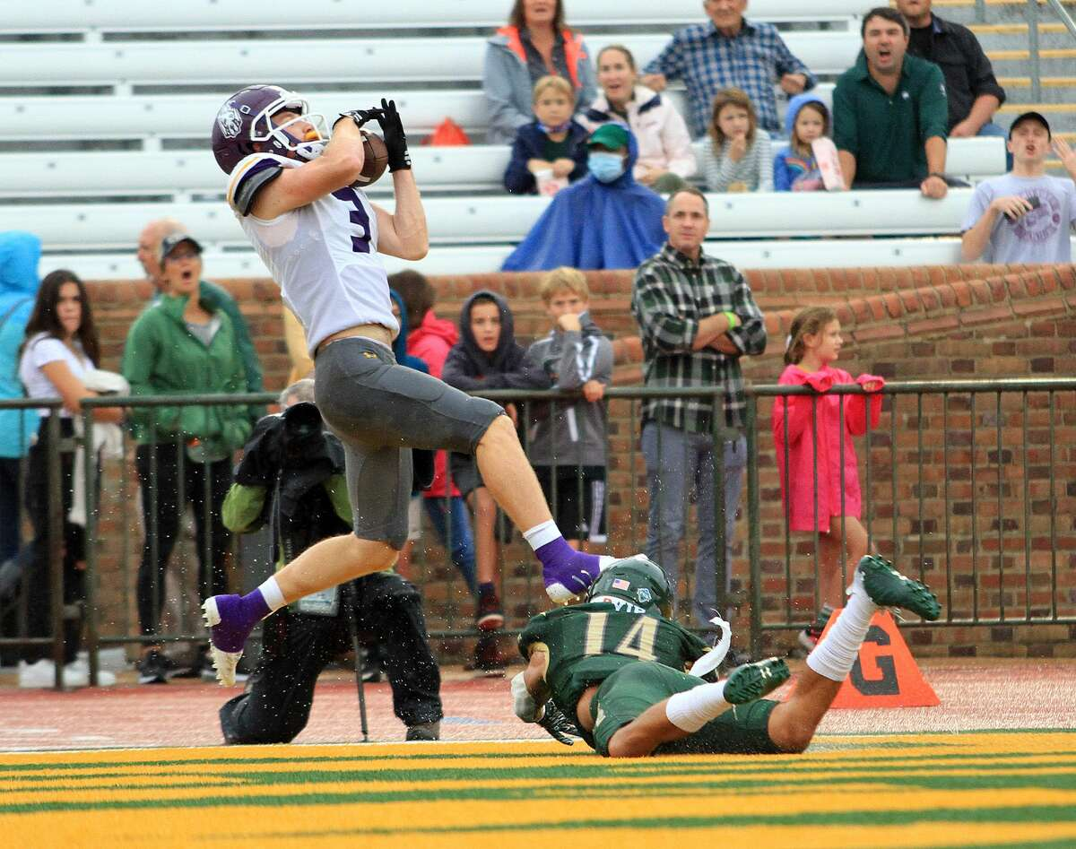 UAlbany wide receiver Tyler Oedekoven makes a catch against William & Mary on Saturday.
