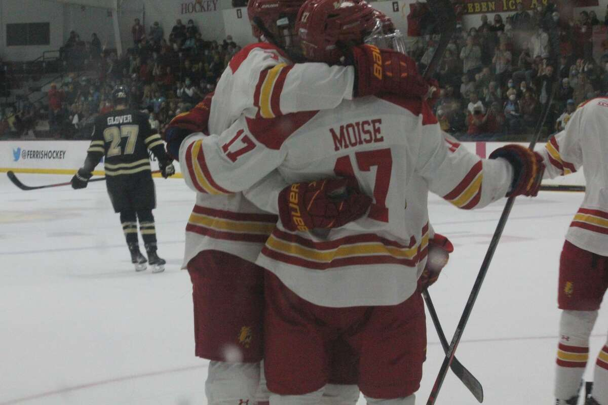 Western Michigan finished a series sweep with a come-from-behind 4-3 win over Ferris State on Saturday