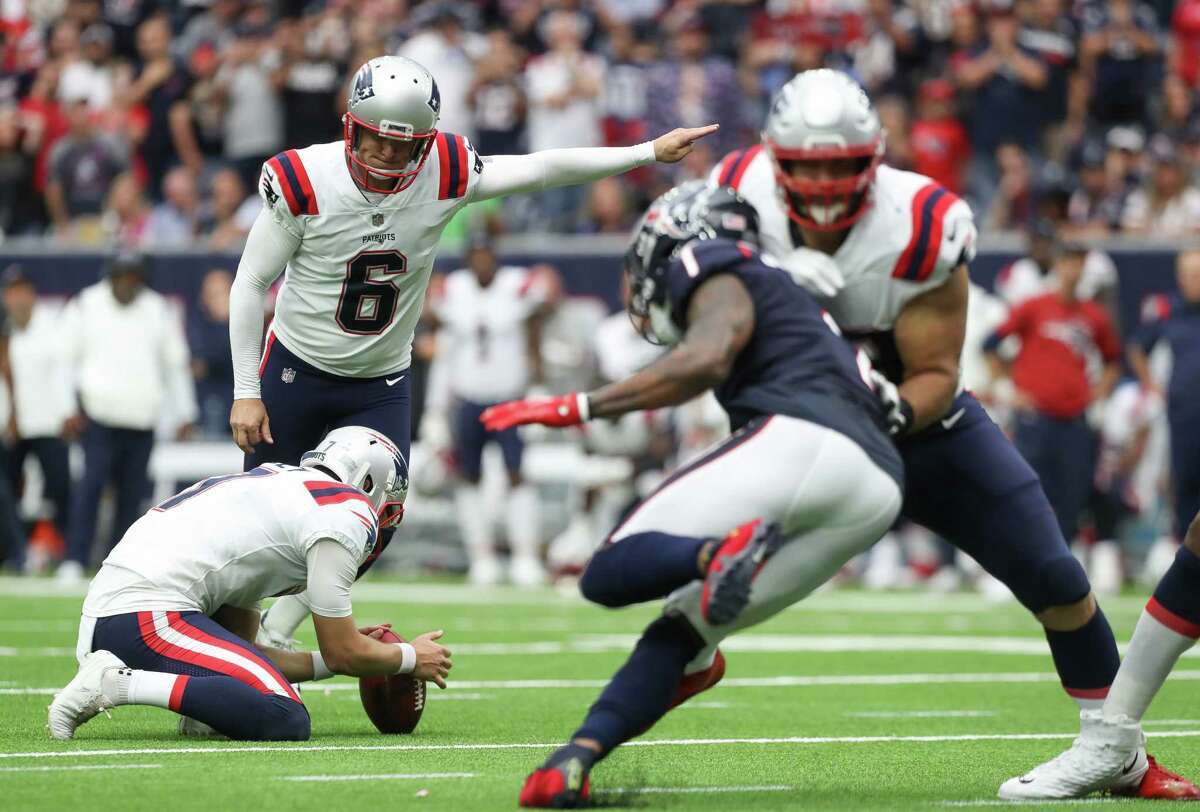 New England Patriots place kicker Nick Folk (6) scores the winning field goal against the Houston Texans during the fourth quarter of an NFL football game at NRG Stadium on Sunday, Oct. 10, 2021, in Houston. The Patriots won 25-22.