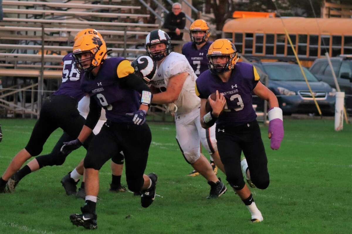 Adam Mills topped 200 yards on the ground against Harbor Springs on Oct. 8. (Robert Myers/Record Patriot)