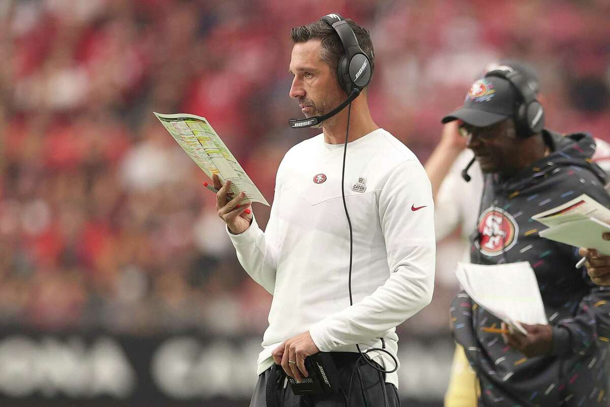 GLENDALE, ARIZONA - OCTOBER 10: Head coach Kyle Shanahan of the San Francisco 49ers looks on against the Arizona Cardinals during the second quarter at State Farm Stadium on October 10, 2021 in Glendale, Arizona. (Photo by Christian Petersen/Getty Images)