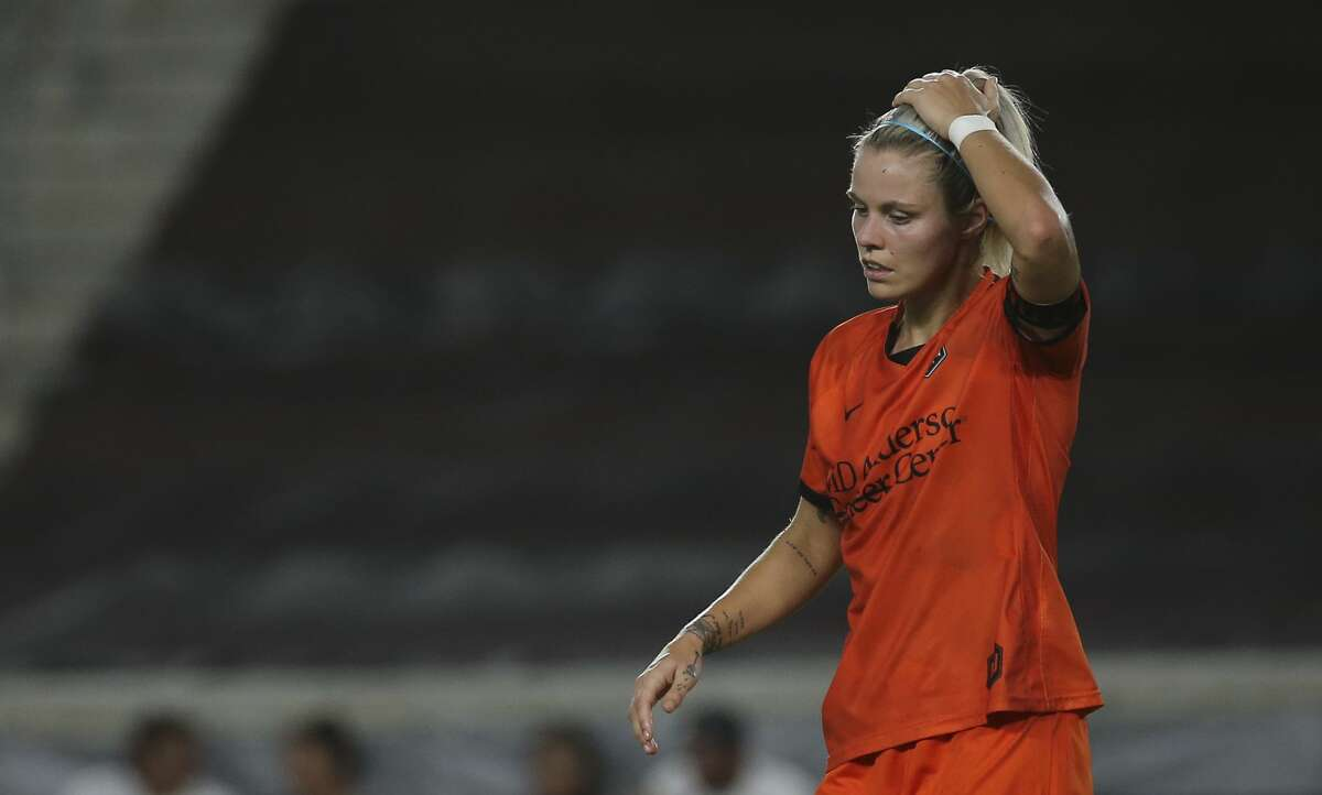 Houston Dash forward Rachel Daly (3) during the second half of the NWSL match against the North Carolina Courage Sunday, Oct. 10, 2021, at BBVA Stadium in Houston. Houston Dash defeated North Carolina Courage 4-1.