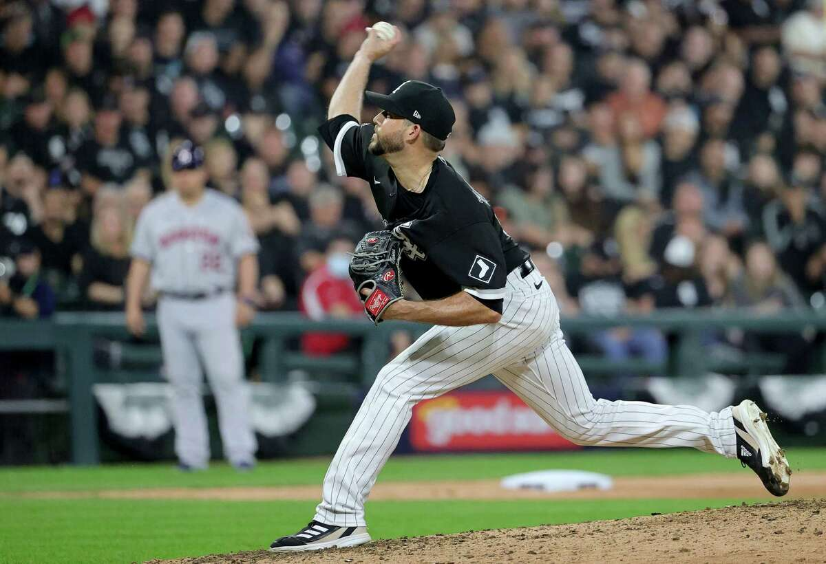 Ryan Tepera of the Chicago White Sox pitches in the fifth inning during Game 3 of the American League Division Series against the Houston Astros at Guaranteed Rate Field on October 10, 2021 in Chicago, Illinois.