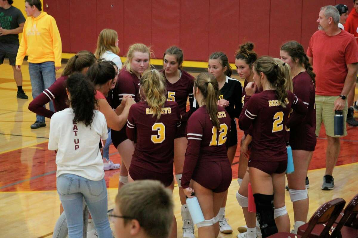 Reese coach Angie Compton addresses the team after their victory over USA on Sept. 30. (Tom Greene/Huron Daily Tribune)