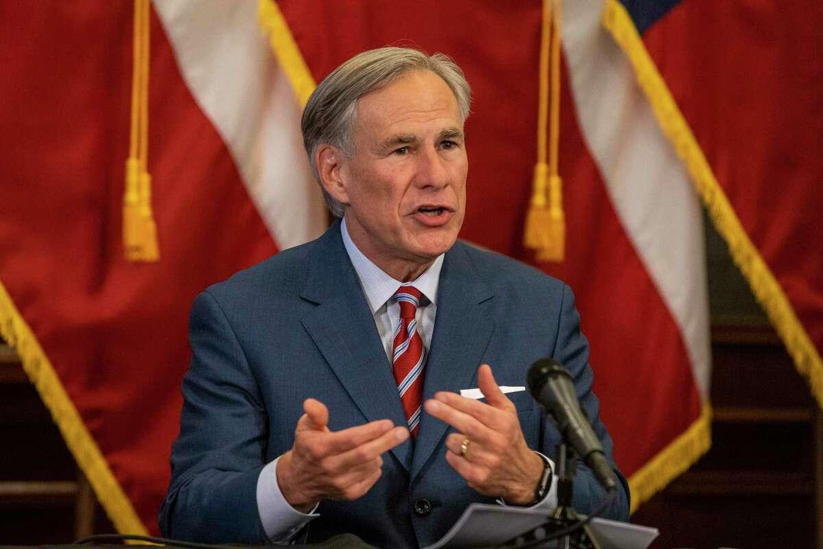 ARCHIVO - El gobernador de Texas, Greg Abbot, fue fotografiado en el Capitolio del Estado de Texas el 18 de mayo de 2020.