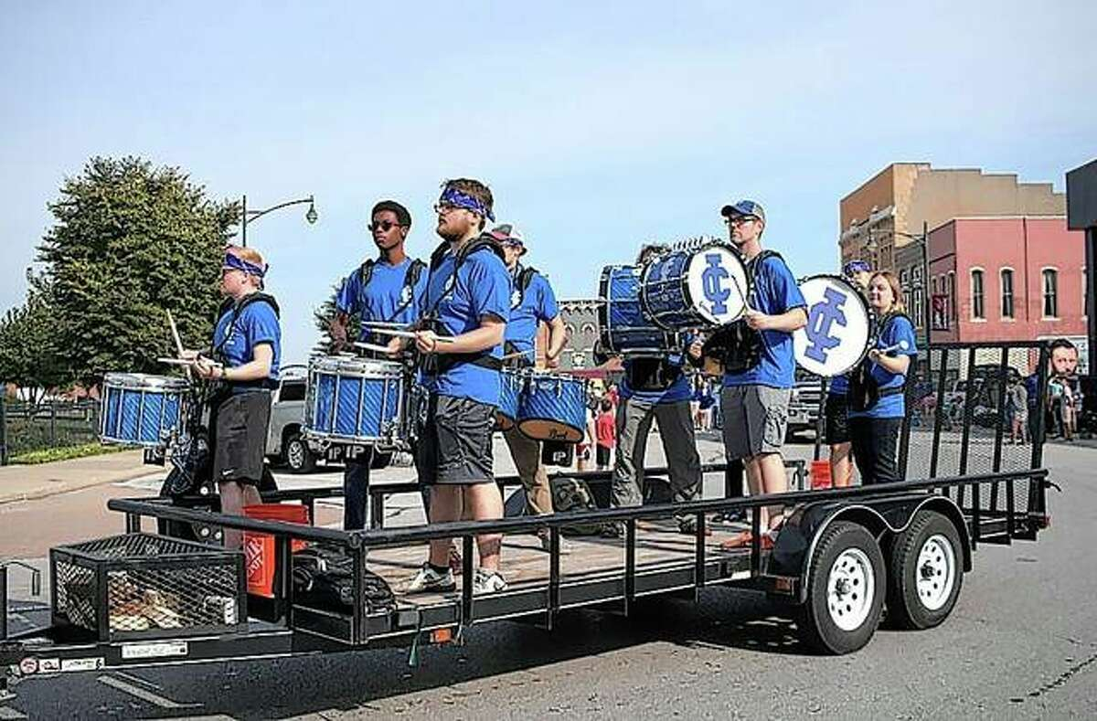 Illinois College capped a week of homecoming activities with a parade Saturday through downtown Jacksonville.