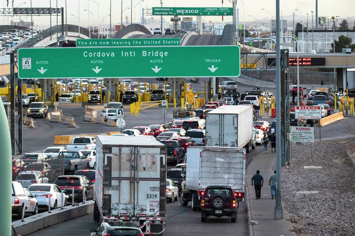 Cars and trucks line up at the checkpoint into Mexico at the Cordova International Bridge on Thursday, Feb. 1, 2018, in El Paso, Texas. ( Brett Coomer / Houston Chronicle )