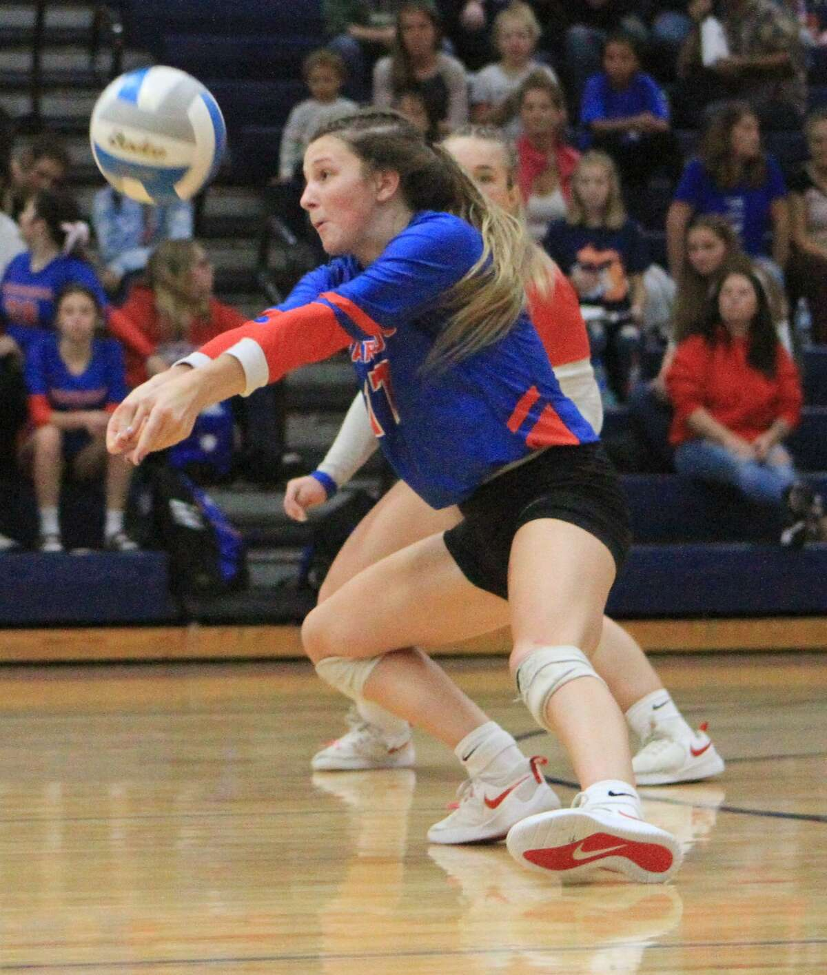 The Chippewa Hills volleyball team fell to Fremont in five sets on Tuesday night.