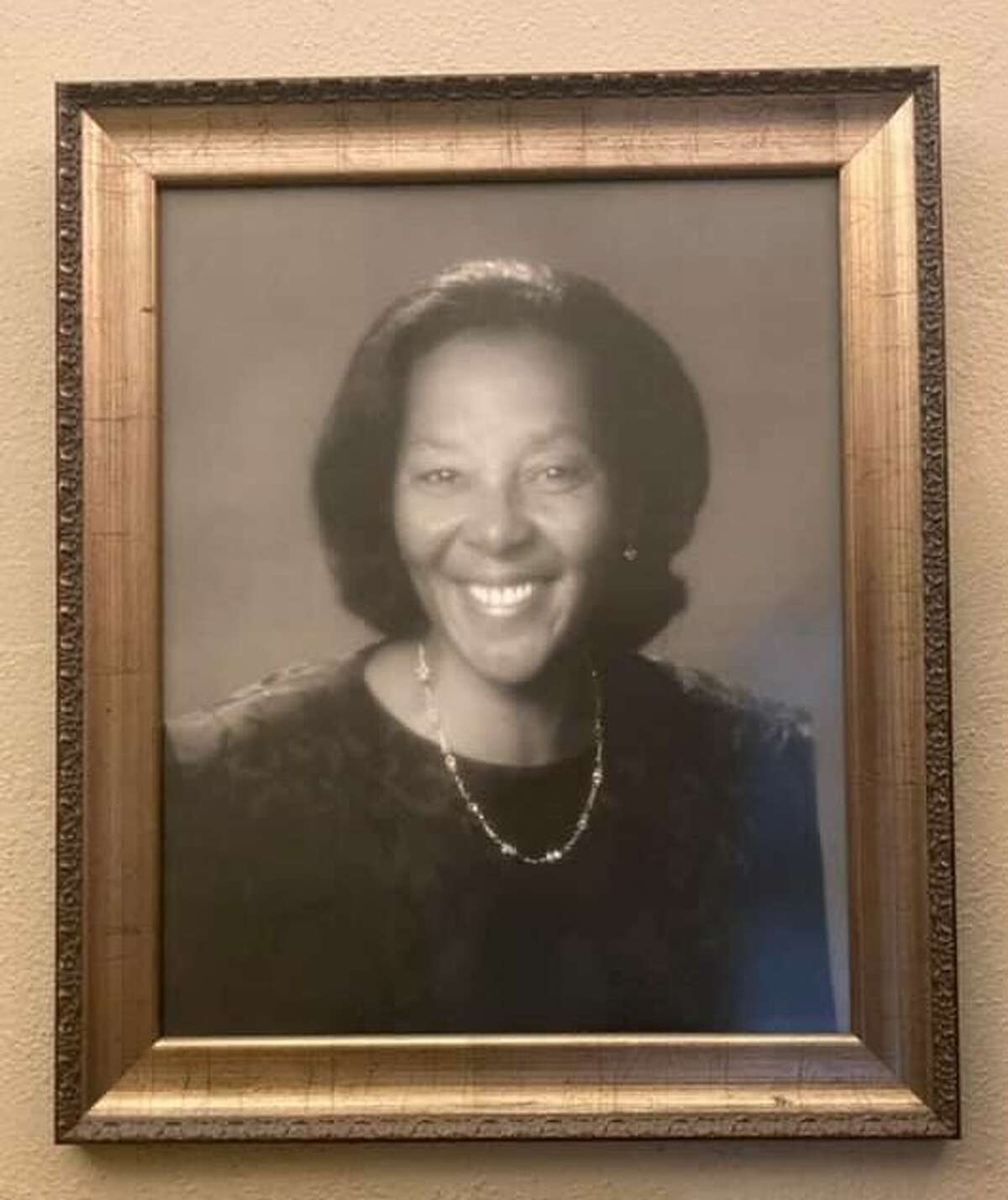Jo Long served as Executive Director of San Antonio's Carver Community Cultural Center from 1979 to her retirement in 2000.
