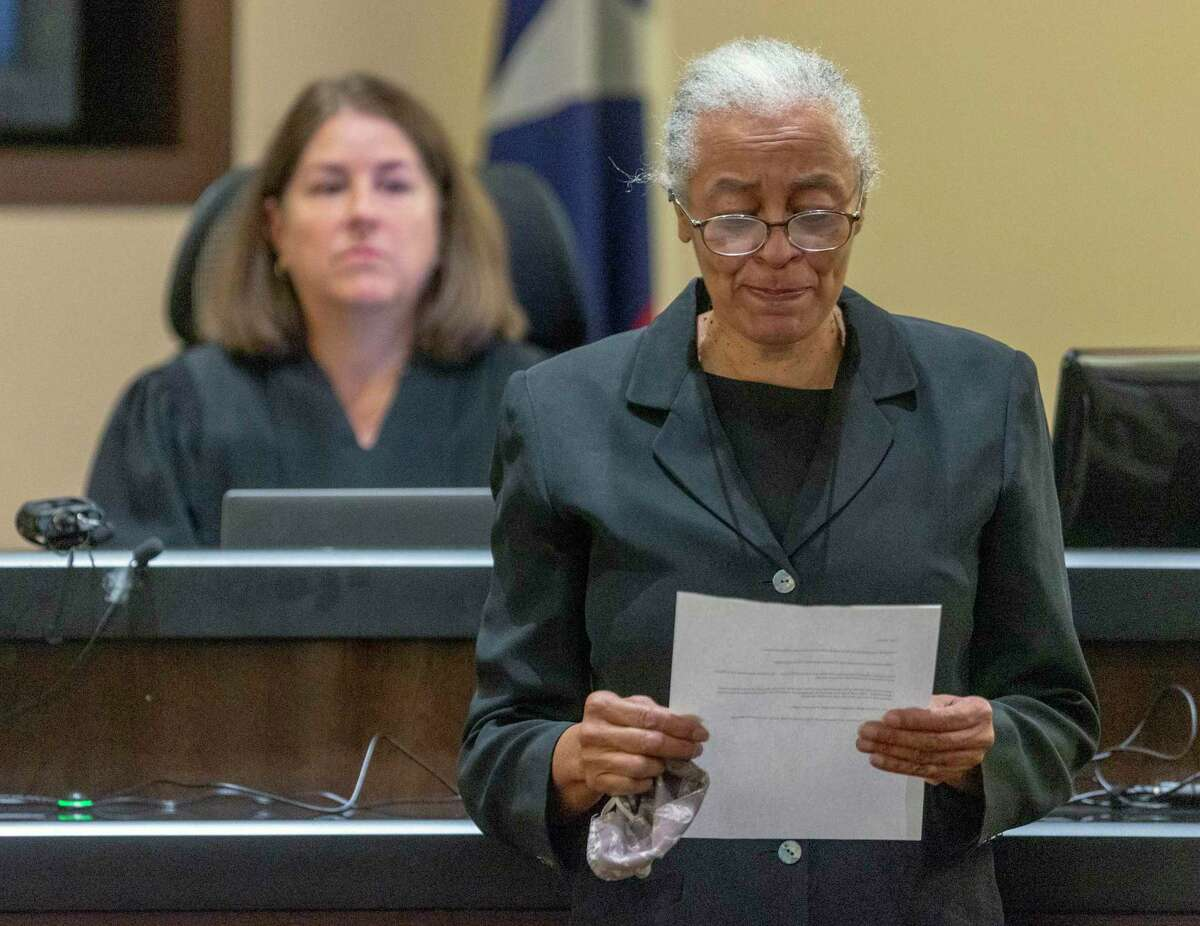 Linda Mason reads a statement on Wednesday, Oct. 13, 2021, as Judge Laura Parker watches in the 379th District Court. Mason was sentenced after pleading no contest in the intoxication manslaughter of Tito Bradshaw. She was sentenced to 20 days in jail, 100 days of home confinement and 10 years of probation, among other things, for the April 1, 2019, death of the well-known bicycle shop owner.