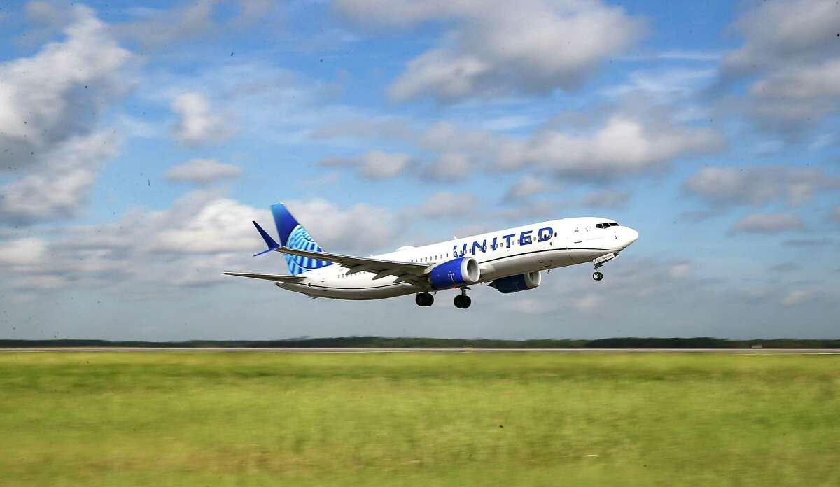 United Airlines test flight with 100 percent sustainable aviation fuel takes off from IAH in Houston on Wednesday, Oct. 13, 2021. The airline is hoping to have its whole fleet be sustainable in 2050.