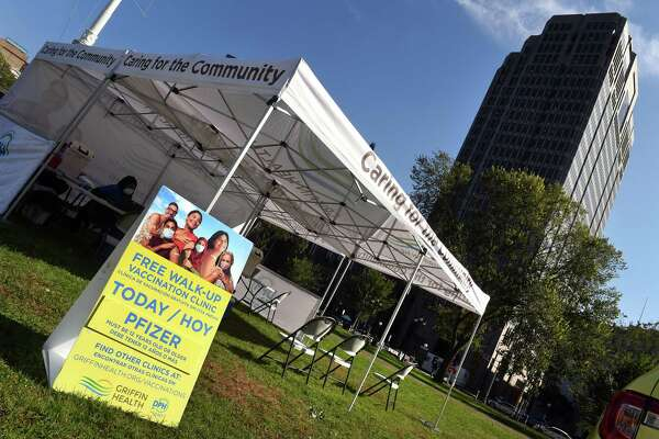 A Griffin Hospital vaccine clinic administering the Pfizer COVID-19 vaccine set up on the New Haven Green Oct. 15, 2021.