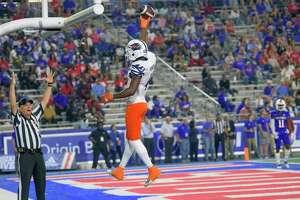 UTSA wide receiver Zakhari Franklin (4) scores a touchdown against Louisiana Tech in the first half of an NCAA college football game in Ruston, La., Saturday, Oct. 23, 2021. (AP Photo/Matthew Hinton)